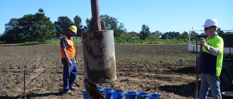 Kempsey1 199 (use of mud bucket auger)